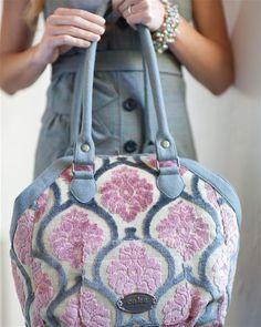 Petunia Pickle Bottom Cake Hampton Holdall Berry Chiffon @Sarah Nasafi Grayce #diaperbag  #shoulderbag #velvet