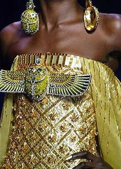 Christian Dior - Couture Spring by John Galliano John Galliano, Galliano Dior, Christian Dior, Christian Siriano, Couture Details, Fashion Details, Fashion Design, Fendi, Egyptian Fashion