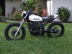"motographite: HONDA XL600 R WHITE SAND TRACKER by Thierry ""Roc"""