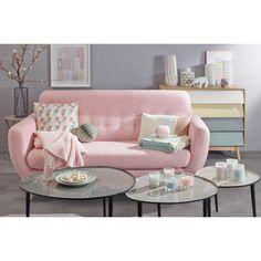 canapé rose ambiance salon style scandinave table basse gigogne grise lacquée décoration couleur pastel mur grise et sol en béton ciré