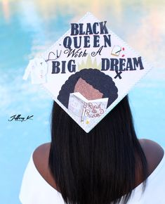 Graduation Look, College Graduation Pictures, Nursing School Graduation, Graduation Cap Designs, Graduation Cap Decoration, Graduation Caps, Graduation Ideas, Graduation Outfits, Graduation Quotes