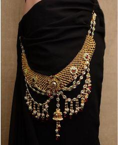 Long Mesh Sari Belt with Jhumki Drop Waist Jewelry, Acupressure Points, Indian Jewelry, Precious Metals, Bollywood, Jewelry Accessories, Saree, Coats, Jewels