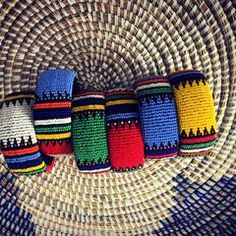 These Zulu beaded bracelets look fabulous in their different color combinations. Open at one end so they easily fit every wrist. Zulu Women, Black Marriage, Beaded Jewelry, Beaded Bracelets, African Accessories, Color Meanings, Six Flags, Beaded Embroidery, Spice Things Up