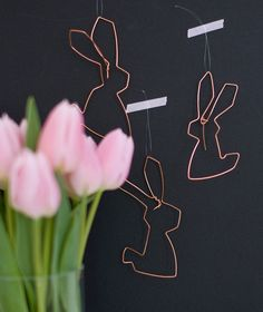Bunnies made of wire <3