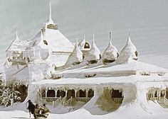 Doctor Zhivago (famous scene) ice covered house