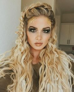 Being Lagertha from Vikings for Halloween! Over on Barefoot Blonde Hair we jus… Being Lagertha from Vikings for Halloween! Over on Barefoot Blonde Hair we just posted a tutorial for this Viking hairstyle! It is… # viking Braids lagertha Short Hair Styles Easy, Short Hair Updo, Easy Hairstyles For Long Hair, Braided Hairstyles, Wedding Hairstyles, Curly Hair Styles, Viking Hairstyles, Short Hairstyles, Pirate Hairstyles