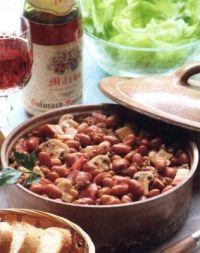 Franse bruine bonenschotel met rode wijn