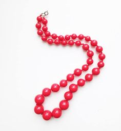 Strawberry Red Vintage Necklace / Bright Red Beaded Statement