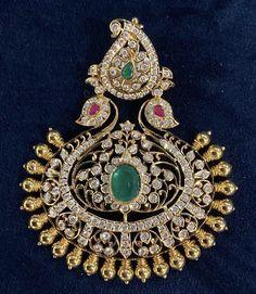 Gold Pendant, Pendant Jewelry, 22 Carat Gold, Lockets, Gold Jewellery, Motifs, Indian Fashion, Jewelry Design, Design Ideas