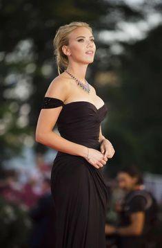 GentlemanBoners: Eye Toffee Eleanor, Atelier Versace, Prom Dresses, Formal Dresses, Formal Wear, Wedding Dresses, Scarlett Johansson, Ladies Day, Film Festival