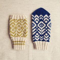 ミトン・ニットの制作をしています。制作料についてはこちらをクリック。 ※現在オーダーは停止しています。連絡先はこちら→midnightmitten@gmail.com Knit Mittens, Mitten Gloves, Crochet Stitches, Knit Crochet, Old Sweater, Sweaters, Girls Socks, Knitting Accessories, Knit Fashion