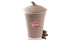 How to Make A Wendy's Frosty at Home: Looks like an easy recipe, I'll try it when I get my hands on an ice cream maker! Ninja Blender Recipes, Ninja Recipes, Juicer Recipes, Salad Recipes, Smoothie Recipes, Dessert Recipes, Cream Cheeses, Frozen Desserts, Frozen Treats