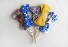 DIY bow tie photo booth props