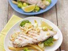 Probieren Sie die leckeren gegrillten Schollen auf Gemüse von Eat Smarter oder eines unserer anderen gesunden Rezepte!