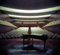 Oriol Chamber Hall..........Alex Roman