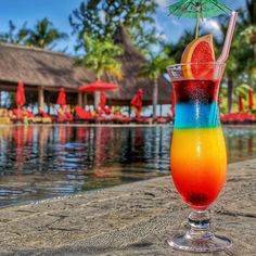 En cette fin d'après midi, profitez d'un cocktail mauricien sans alcool au bord de la piscine au #clubmedlapointe 🌴☀️ Enjoy an alcohol free mauritian cocktail by the pool in this end of afternoon at #clubmedlapointe 🌴☀️ ------------------------------------------ 🌎Location: @clubmedlapointe ------------------------------------------ 🚩Tag #clubmedlapointe to be featured as our picoftheday ------------------------------------------ #Mauritius #Island #resort #pool #palmtrees #drink #drinks…