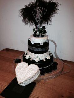 Small wedding cheese cake