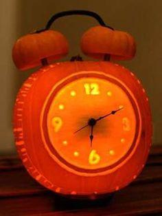 Alarm Clock Halloween Pumpkin - - Time's running out! Carve this Alarm Clock Halloween Pumpkin. Awesome Pumpkin Carvings, Pumpkin Carving Contest, Amazing Pumpkin Carving, Pumkin Carving Easy, Disney Pumpkin Carving, Owl Pumpkin, Spooky Pumpkin, Pumpkin Ideas, Pumpkin Designs
