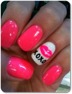 Simple Valentine's Day Nail Art Designs http://traffurl.com/?g/2QANxSL