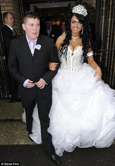 My Big Fat Gypsy Wedding: Britain's youngest gypsy bride gets married in £50,000 celebration | Mail Online