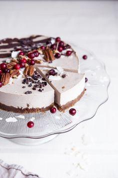 raw vegan gingerbread cake