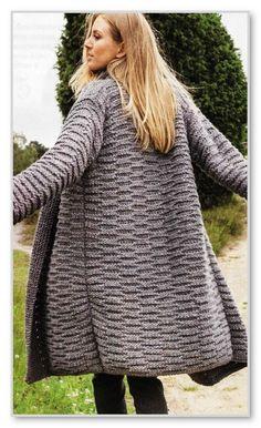 Вязание спицами. Прямой кардиган-пальто без застежки и с рельефным узором. Размеры: 38-42