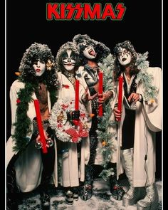I can't believe this year is about to end... What's your favorite holiday? • • • #kiss #genesimmons #thedemon #acefrehley #spaceman… Paul Stanley, Vintage Kiss, Vintage Rock, Gene Simmons, Kiss Memorabilia, Los Kiss, Rock And Roll, Kiss Group, Kiss Costume