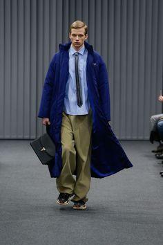 画像: 5/5【親会社ロゴ、紙袋バッグ、パロディ...「バレンシアガ」新作メンズコレクションが話題】