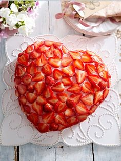 Cake for Mother& Day: 14 delicious baking ideas for mom Wonder woman - Only the best for our mothers! The best recipes for baking. Valentines Day For Him, Valentines Day Dinner, Valentines Day Desserts, Amazing Food Photography, Mothers Day Dinner, Baking Recipes, Bakery, Good Food, Food And Drink