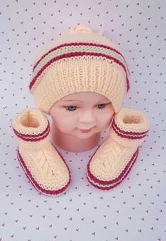 Check out this item in my Etsy shop https://www.etsy.com/listing/258674319/hat-and-booties-with-pom-poms