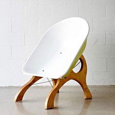 Wheelbarrow Chair by Karl Sanford – upcycleDZINE | upcycledzine.com ! #upcycle…