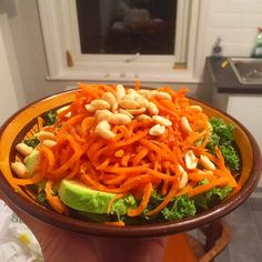 SALAD FOR DAYS - who wants to see a video recipe for this? #holttwins Food Videos, Salad, Ethnic Recipes, Salads, Lettuce