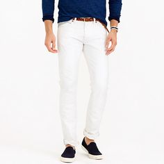 So memorial day is nearly upon us and these are the perfect white pants/ jeans for men this summer 484 White Rinse Selvedge Jean - these look perfect for a trip to the beach, dinner on a summer/holiday evening or the perfect boat outfit. Pair with a brown, belt and a smart watch and you have the cool, casual but stylish summer man's outfit.