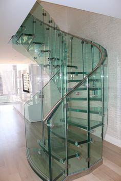 Glass staircase desi