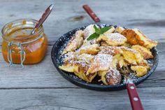 .Rezept: Apfel-Thymian-Kaiserschmarrn mit cremigem Bauernjoghurt und Pinienkernen