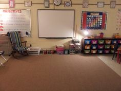 Love this counselor's office setup!  Dream. My dream :)