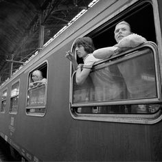 Station to station - Bowie with Iggy Pop and Pat Gibbons, Photo Andrew Kent David Bowie, Just Deal With It, The Thin White Duke, The Golden Years, Iggy Pop, Scene Photo, I Cant Even, Rest In Peace, Soul Music