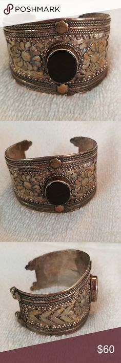 VTG Beautiful Handcrafted Fashion Cuff Bracelet A nice, hammered ornate cuff bracelet in good pre owned condition. A black stone in the center. .925 Sterling Silver.  Thanks for looking 😉 Jewelry Bracelets
