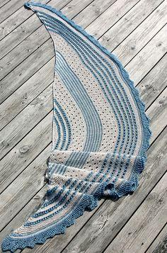 Ravelry: Daydreamer shawl with Lanitium ex Machina BFL Silk Cashmere - knitting pattern by Janina Kallio.