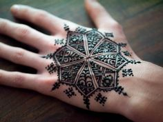 whom I am teaching a Moroccan Henna workshop at HennaCon 2014. This and more are available at hennacon.com