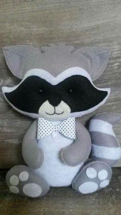 Raccoon w/Bow Tie Felt Crafts Diy, Felt Diy, Baby Crafts, Cute Crafts, Sewing Toys, Sewing Crafts, Sewing Projects, Felt Animal Patterns, Felt Fabric
