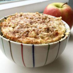 Het is weer tijd voor een overheerlijke mug cake! Dit maal eentje geïnspireerd op een appel cakeje.