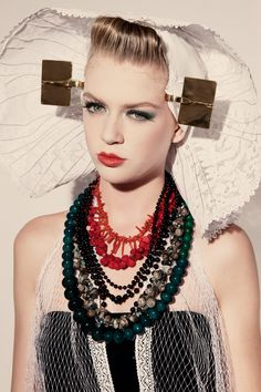 Zeeuws Meisje Special Kids, Portraits, Folk Fashion, Folk Costume, Doll Face, Hair Art, Headdress, Folklore, Traditional Outfits