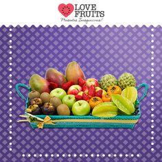 #Anil Oito tipos de frutas acomodadas sobre o metal azul desta bandeja montam a combinação ideal para o presente que transmite os mais sinceros desejos de prosperidade, alegria e equilíbrio!  Presenteie quem você ama: http://www.lovefruits.com.br/