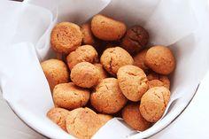 Heerlijke en gezonde suiker- en zuivelvrije pepernoten! #recept #eten