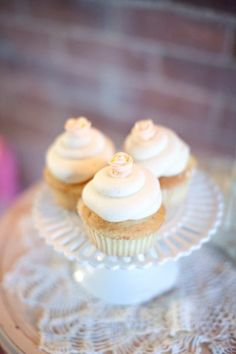 Delicious white & delicate Angel Food Cupcakes. Yum! {April Foster Events}