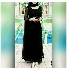 Pakistani Dresses Casual, Indian Gowns Dresses, Indian Fashion Dresses, Dress Indian Style, Pakistani Dress Design, Indian Designer Outfits, Black Pakistani Dress, Black Anarkali, Black Salwar Suit