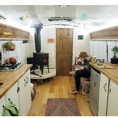 Generally, campers are mounted in addition to the truck. RV campers are astoundingly common today, with over being sold in 2014 School Bus Camper, School Bus House, Rv Bus, Bus Living, Tiny House Living, Small Living, Converted Bus, Rv Homes, Mobile Living