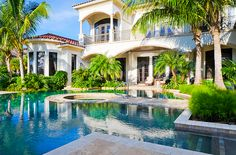 It feels like it would always be summer here. Interior Design Gallery, Dream Homes, My Dream Home, Dream Land, Dream Big, Backyards, Landscaping Ideas, Tropical Landscaping, Privacy Landscaping