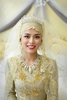 Princess Hafizah Sururul Bolkiah, daughter of Brunei's Sultan Hassanal Bolkiah, married with week-long festivities (and multiple tiaras) in September 2012. Her jewelery collection must be crazy!